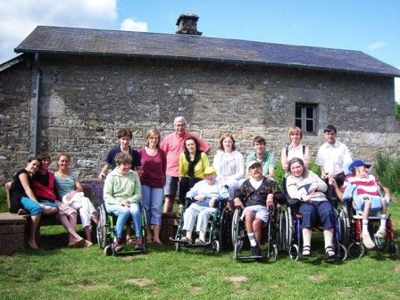 Cuisinier pour petit groupe de personnes avec handicap en vacances dans la Creuse, en juin 2021