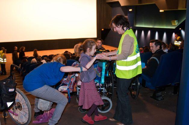 Faciliter l'accès de tous au cinéma, personnes handicapées et personnes sans handicap (Saint-Denis)